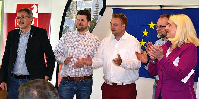 (v.l.): Harry Grunenberg (Bezirksbürgermeister von Bothfeld-Vahrenheide und Vertreter der SPD Vahrenheide-Sahlkamp), Florian Spiegelhauer (Ratsherr und SPD-Vorsitzender von Bothfeld), Chris Jäger (SPD-Vorsitzender Groß Buchholz), Thilo Scholz (SPD-Vorsitzender von Vahrenwald-List) und Cornelia Busch (Regionsabgeordnete und Vorsitzende der SPD List-Nord)